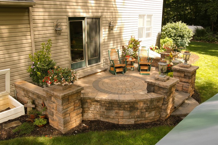 Ideas for Patio Hardscape Walls | Seating Walls