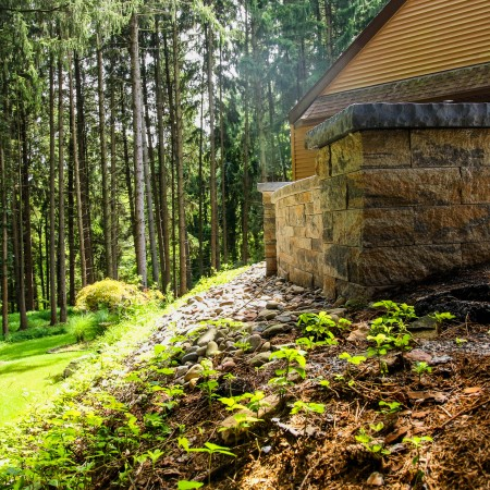 Find a Hardscape Retaining Wall Builder in PA