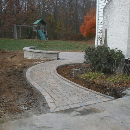 Designing a Hardscape Patio and Walkway