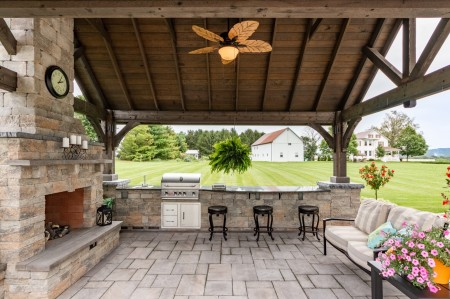 Outdoor Kitchen Pavilion in PA