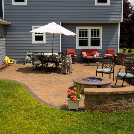 Backyard Patio Designs for a Family