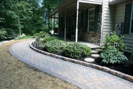Narvon Hardscape Paver Walkway and Patio
