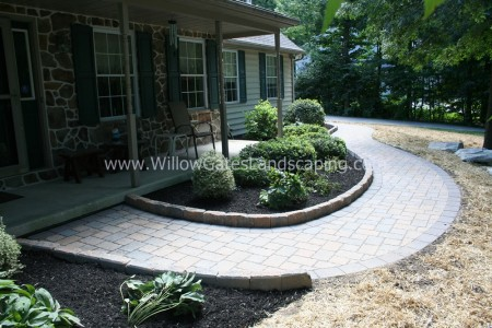 Narvon Paver Walkway with design to Add Value to the Home
